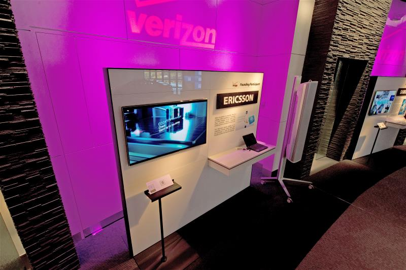 us-events-installations-portfolio-verizon-bank-800x532