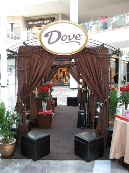 us-events-portfolio-retail-dove-booth-800x1067